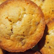 Für Süßschnäbel: Muffins mit weißer Schokolade und Haselnüssen