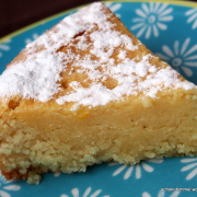 Schon wieder Grießkram: saftig-buttriger Grießkuchen mit Orangen-Karamell-Tränke