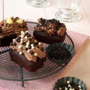 Von 3-fachen Schoko-Muffins, die lieber 5-fache Schoko-Cupcakes sein wollten - Dr. Oetker Dekor-Workshop
