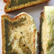 It's teatime: grüner, vanilliger Matcha-Marmorkuchen