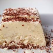 Zeit für Eis: weißes Schoko-Parfait, supersahnig