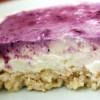 Sahnequark-Blaubeer-Kuchen mit white chocolate-Reiswaffel-Boden (no bake)