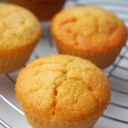 Die Apfelsaison startet! Passend dazu: saftige Apfelmus-Muffins