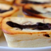 Süßes Fingerfood: cremige Käseküchlein