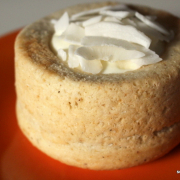 Vegane Kokosküchlein mit (sehr unveganer) Mascarpone-Kokos-Creme