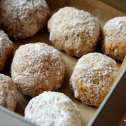 Vanillige Mandel-Tonka-Kugeln [Auftakt der Weihnachtsbäckerei]