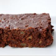 Saftige Rübli-Brownies [mit Walnüssen und lauter leckerem Zeug]